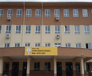 Adana'da okulda fenalaşan kız çocuğu hayatını kaybetti