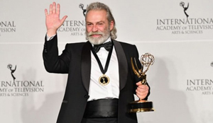 Emmy Ödülleri'nde en iyi erkek oyuncu ödülü Haluk Bilginer'in
