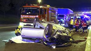 İstanbul'da feci kaza! 2 Ölü 1 yaralı