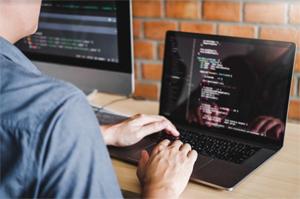 PHP Uzmanı ile çalışmak neden önemli?