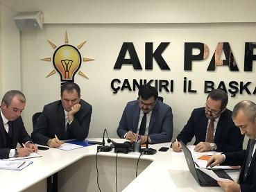 AKP İl binasında 'halk günü' mü olur?