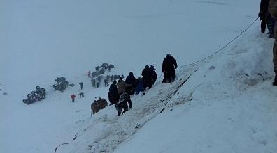 Bahçesaray'da 41 kişiyi çığ değil yolsuzluk öldürdü: Tüneli çaldılar