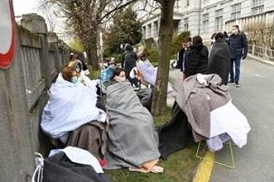 İspanya'da ölü sayısı 4 bin 858'e yükseldi