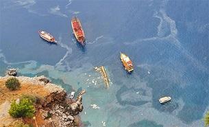 Antalya'da tur teknesi 30 yolcusuyla battı