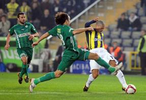 Bursaspor, Fenerbahçeyi Saracoğluna gömdü: 3-2