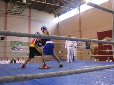 Çankırı'daki boks şenliği sona erdi!