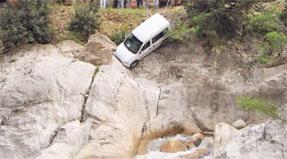 Kayalar hayat kurtardı!