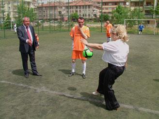 Başkentteki turnuva Neşeli başladı!
