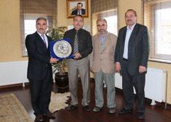 Başkan Çetin'e, Çankırı Merkez Bayındır köyünden plaket