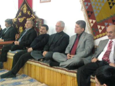 Milletvekili Bukanın ziyaretinde Belediye Başkanı Avşar uyudu!