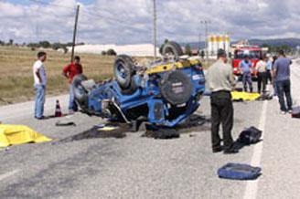 Araç devrildi, 2 asker şehid oldu