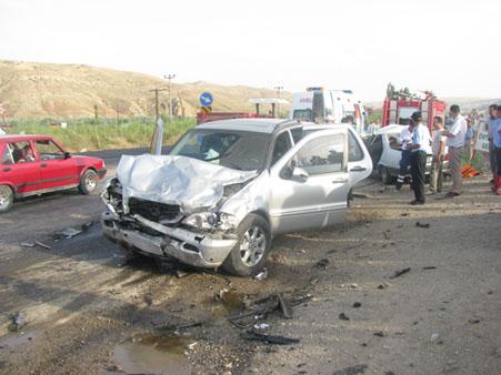 Çankırıda trafik kazası: 3 ölü, 1 yaralı!