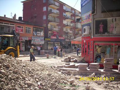 Park Sokaktaki çalışmalar esnafı bıktırdı