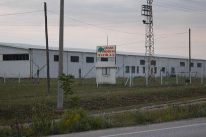 Çerkeşte iflas eden fabrikanın mallarını hırsızlar götürdü!