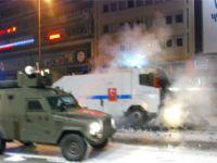 Kızılayda polisten sert müdahale!