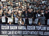 Independent: Türkiyede gazetecilerin işsiz kalması kötünün iyisi