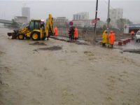 Yağmur İstanbulu kötü etkiledi!