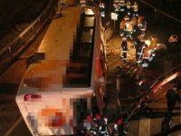 Maslak'ta otobüs devrildi: 2 ölü