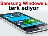 Samsung Windows'u terkediyor