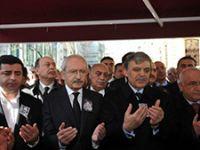 Yaşar Kemal'i binlerle uğurladık