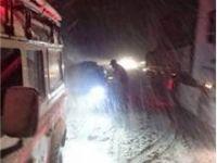 Afyonkarahisar-Antalya karayolu kar nedeniyle kapandı
