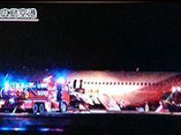 Japonya'da yolcu uçağı pistten çıktı: 20 yaralı
