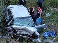 Çanakkale'de otomobil şarampole yuvarlandı: 3 ölü