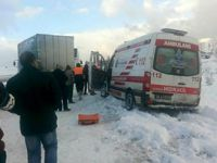 Ankara'da kar trafiği felç etti