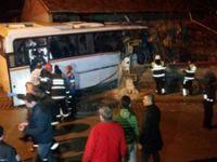 Karabük'te işçi servisi eve çarptı: 4 ölü, 2 yaralı
