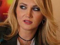 Sanatçı Pınar Aydınlar tutuklandı