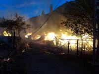 Kastamonu - Araç'ta yangın... 9 ev 2 ahır kül oldu!