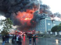 İstanbul Esenyurt'ta 3 fabrika yandı