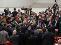 Meclis'te FETÖ kavgası!