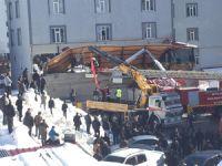 Bitlis'te kafenin teras çatısı çöktü: 1 ölü, 7 yaralı