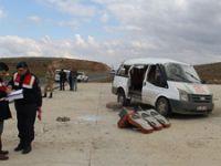 Mardin'de nişandan dönenlerin aracı devrildi: 3 ölü, 14 yaralı