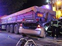 Kocaeli'de kaza! İki kişi feci şekilde can verdi
