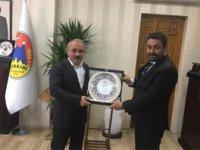 Vakıf yönetiminden Başkan Esen'e ziyaret
