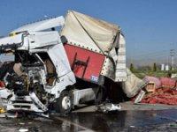Konya'da işçi servisi ile TIR çarpıştı! Bir ölü, 24 yaralı