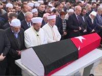 AKP Çankırı milletvekili Akbaşoğlu 'fesli meczup' Mısıroğlu'nun cenaze töreninde!