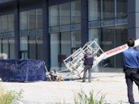 Bursa'da sepetli vinç devrildi: İki işçi yaşamını yitirdi