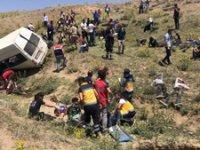 Van'da minibüs takla attı: En az 17 ölü, 50 yaralı!
