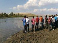 Muş'ta nehre giren 3 çocuk boğuldu, 1'inin durumu ağır, 2 çocuk aranıyor