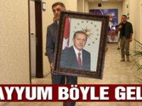 'Kayyum Vali'nin ilk işi Erdoğan fotoğrafı oldu