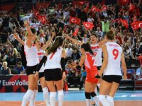 Filenin Sultanları Hollanda'yı 3-0'a geçerek adını yarı finale yazdırdı!