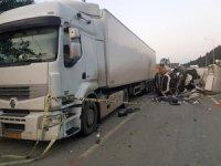 Rize'de kamyon TIR'a arkadan çarptı: 1 Ölü