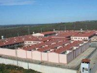 Sakarya/Ferizli cezaevinde iki intihar girişimi! Bir tutuklu hayatını kaybetti