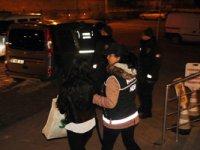Çankırı'da 2 kişi uyuşturucu bulundurmaktan tutuklandı