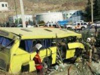 İran'da otobüs yoldan çıktı! En az 20 ölü