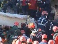 38 Saat sonra enkaz altından 4 kişi çıkarıldı