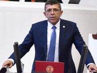 İYİ Parti Denizli Milletvekili Öztürk'e Meclis'te saldırı!